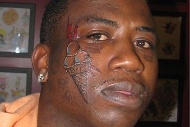 Негр с татуировками игра