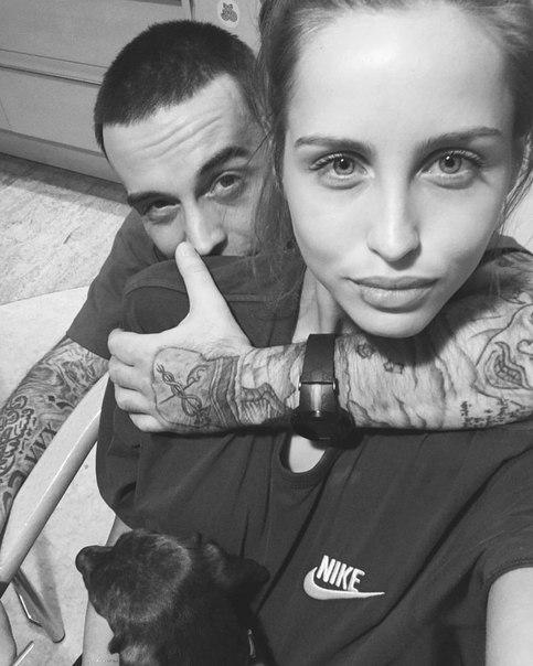 Русский парень поделился своей девчонкой фото 751-591